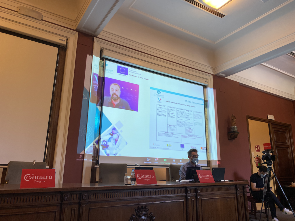José Manuel Avelino (Vestigia Blockchain Solutions SL) durante la exposición de sus resultados al Consejo Asesor de Porcinnova