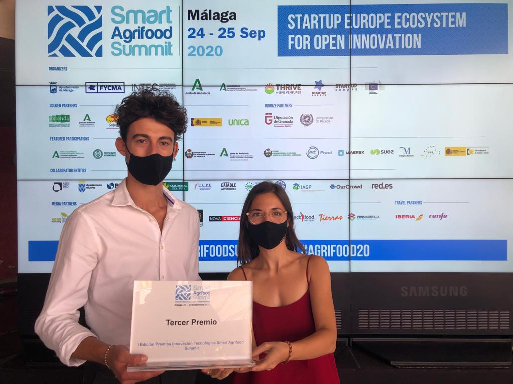 Coline y Alessandro (Connecting Food) en el Smart Agrifood Summit